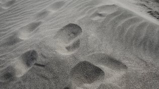 Broken waves of sand