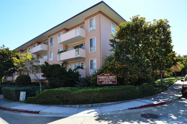 Sep. 2016 Listing: 1 Bedroom apartment for $2,295 per month.