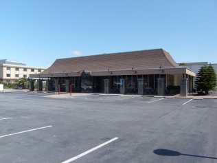 Single-Tenant Commercial